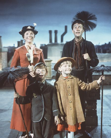 JULIE ANDREWS, MATTHEW GARBER, KAREN DOTRICE, DICK VAN DYKE