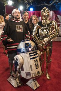 KEVIN SMITH, R2-D2, C-3PO