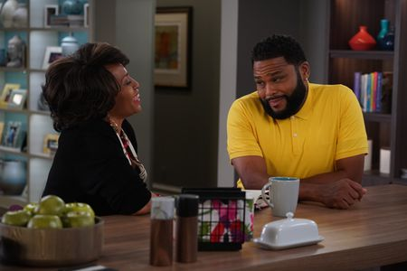 JENIFER LEWIS, ANTHONY ANDERSON