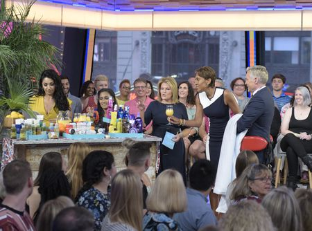 TORY JOHNSON, ROBIN ROBERTS, SAM CHAMPION
