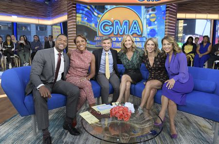 MICHAEL STRAHAN, ROBIN ROBERTS, GEORGE STEPHANOPOULOS, LARA SPENCER, AMY ROBACH, GINGER ZEE