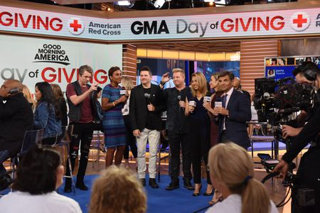RASCAL FLATTS, ROBIN ROBERTS, GINGER ZEE, AMY ROBACH, GEORGE STEPHANOPOULOS