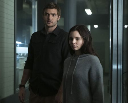 ALEX ROE, ELINE POWELL