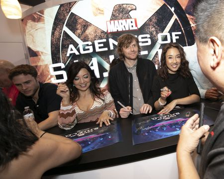 IAIN DE CAESTECKER, MING-NA WEN, JED WHEDON (EXECUTIVE PRODUCER), MAURISSA TANCHAROEN (EXECUTIVE PRODUCER)