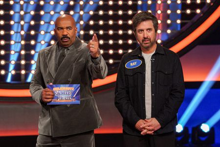 STEVE HARVEY, RAY ROMANO