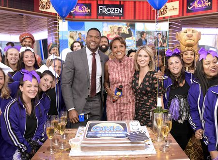 MICHAEL STRAHAN, ROBIN ROBERTS, AMY ROBABCH