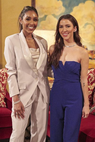 Bachelorette 17 - Katie Thurston - June 28 - NO Discussion - *Sleuthing Spoilers* 159238_9165-400x0
